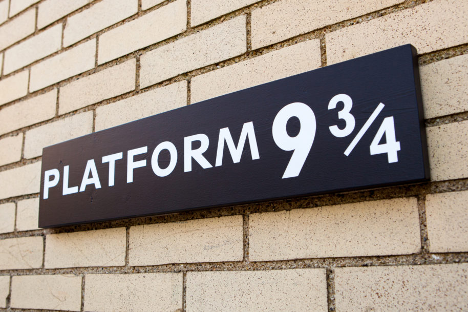 DIY Platform 9 ¾ Sign from King's Cross